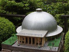 Das Zeiss-Planetarium in Jena im Model