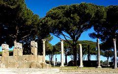 ...davanti il teatro romano di Ostia Antica