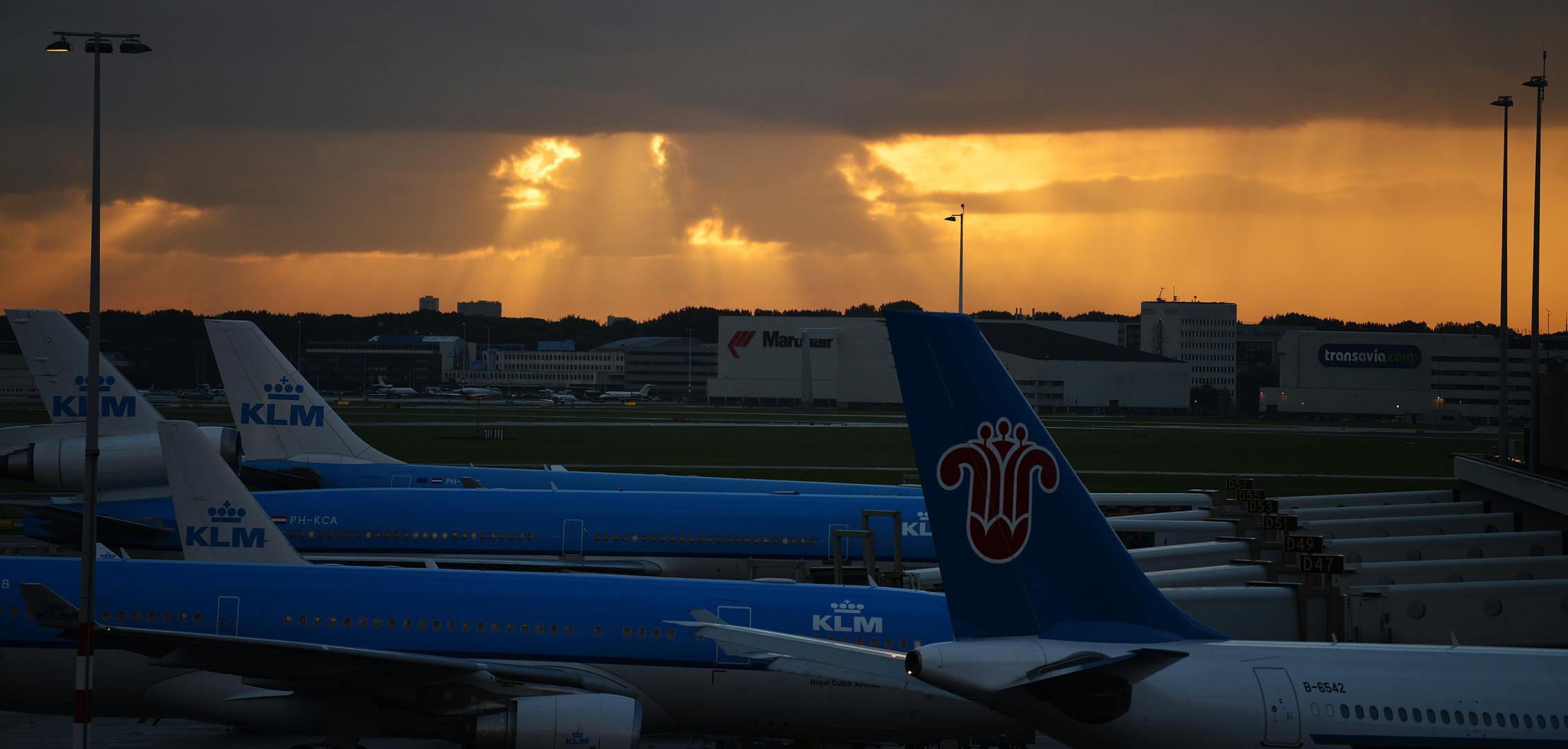 Dawn at Schiphol