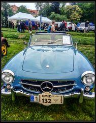 Dazumal- Älteres Modell eines Mercedes