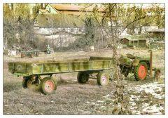 Dazumal- Traktor mit Anhänger