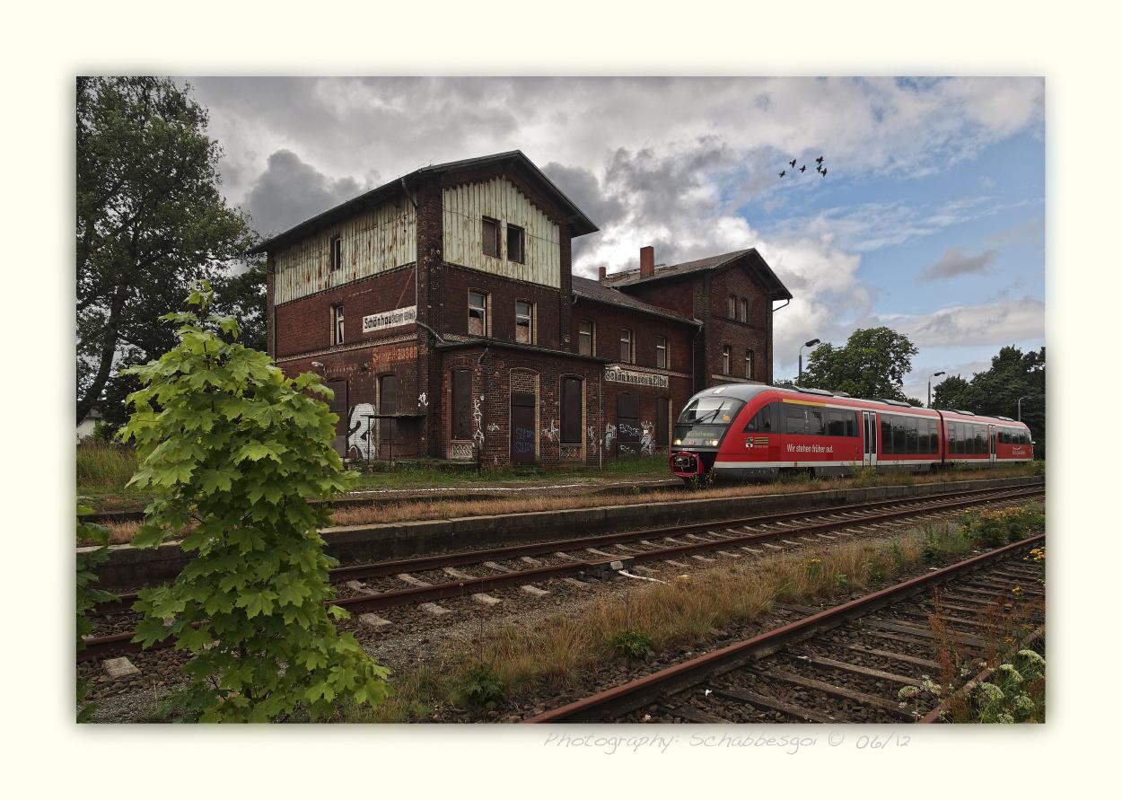 DB 642 664 im Bahnhof Schönhausen