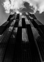 DC- Tower in Wien abstrakt