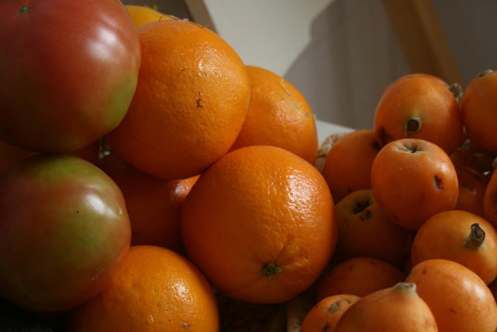 De color naranja.....