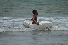 De la serie, Construyendo barcos de papel. 3