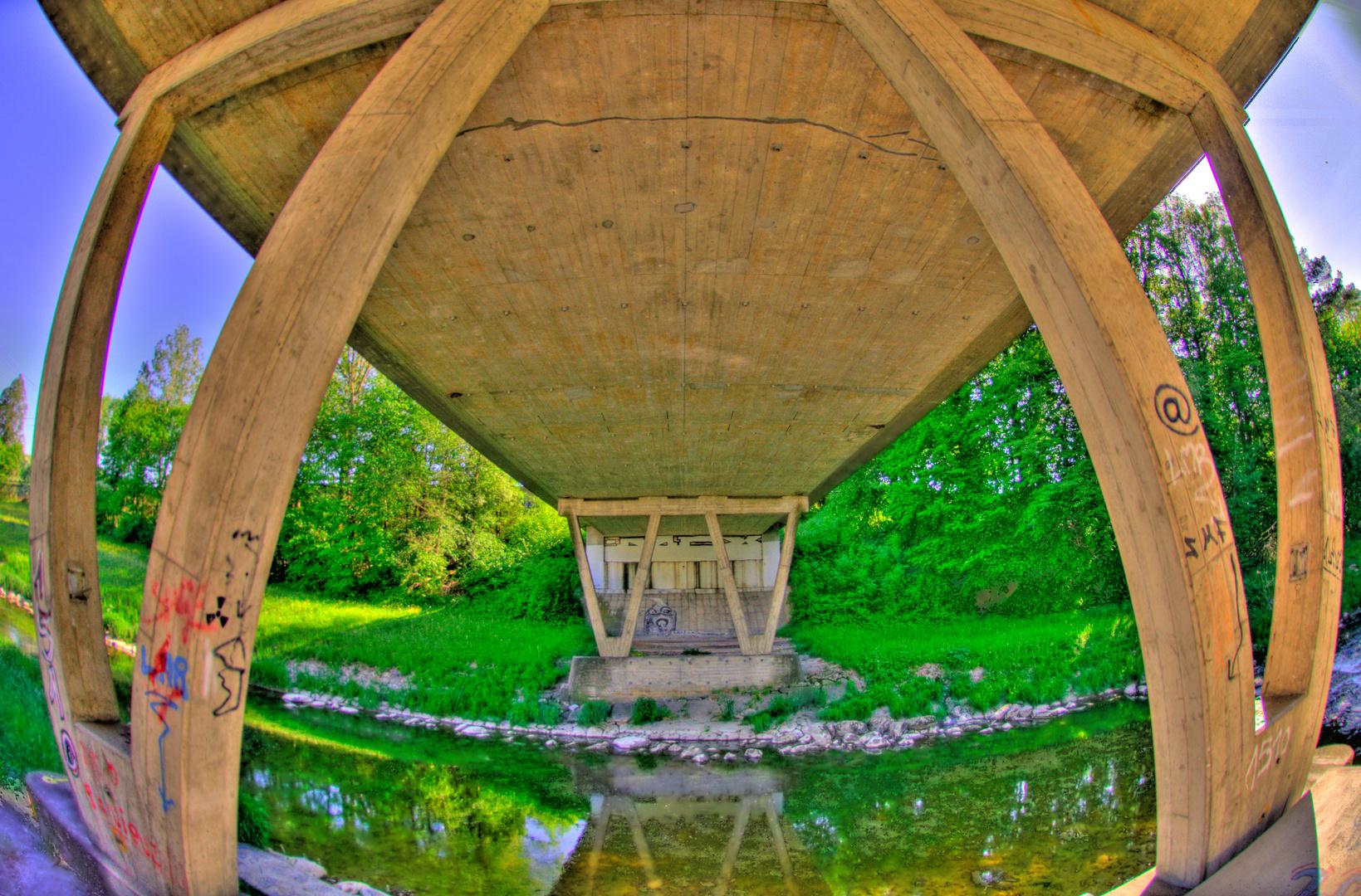 De l'eau coule sous les pont