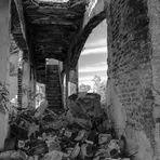 De ruinas y derrumbes...