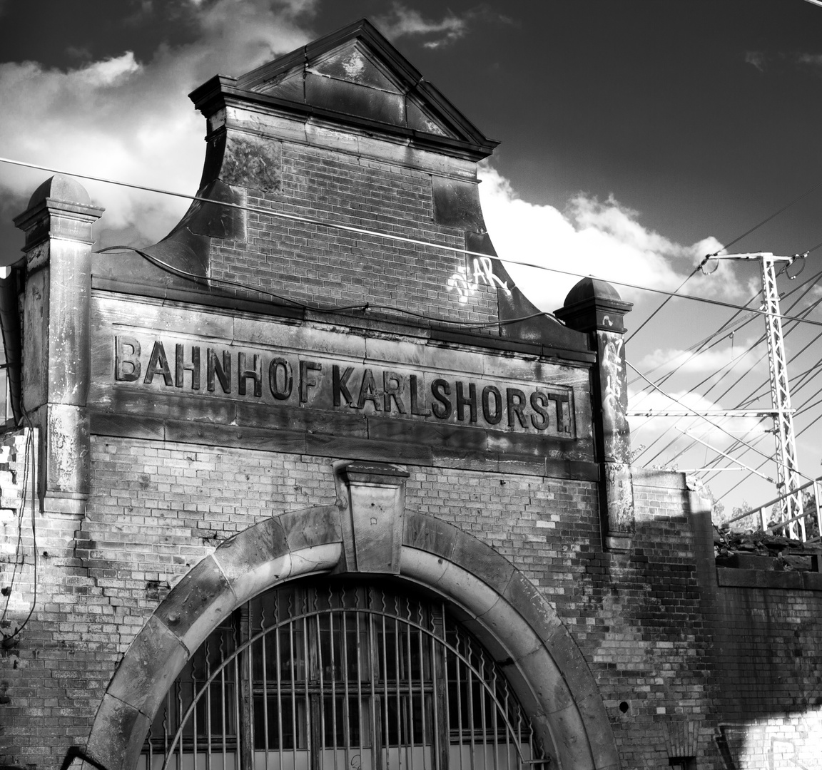 """Dear"" Bahnhof Karlshorst,"