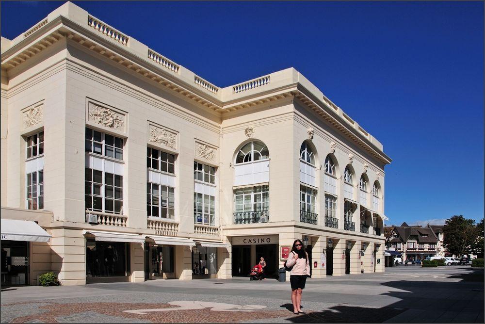 Deauville - Am Casino (2)