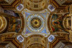 Decke und Kuppel der Isaak Kathedrale