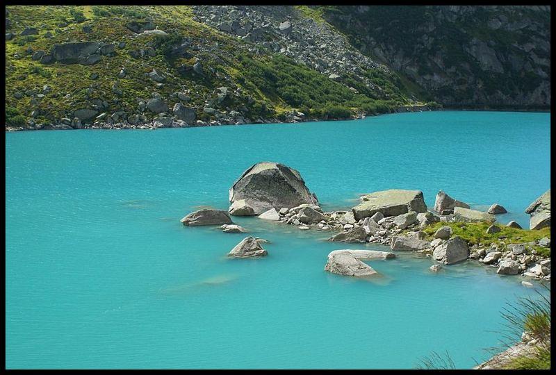 Deep-Blue... Gelmersee Berner Oberland Schweiz