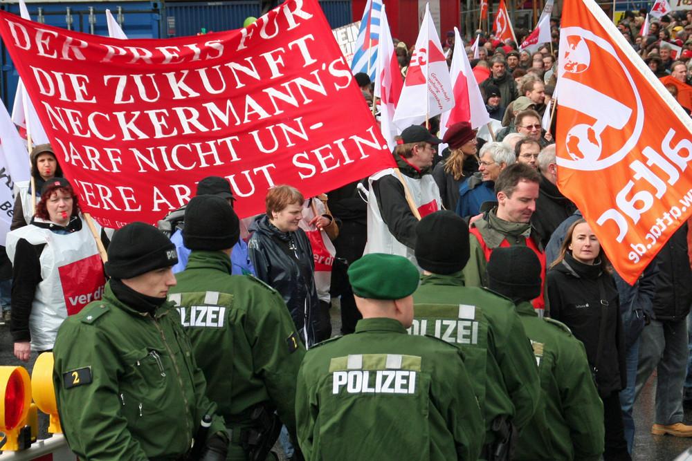 Demo 2009 Frankfurt Krise Zukunft Neckermanns