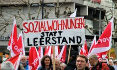 Demo Stgt Gegen Leerstand  D-17col Aktuell