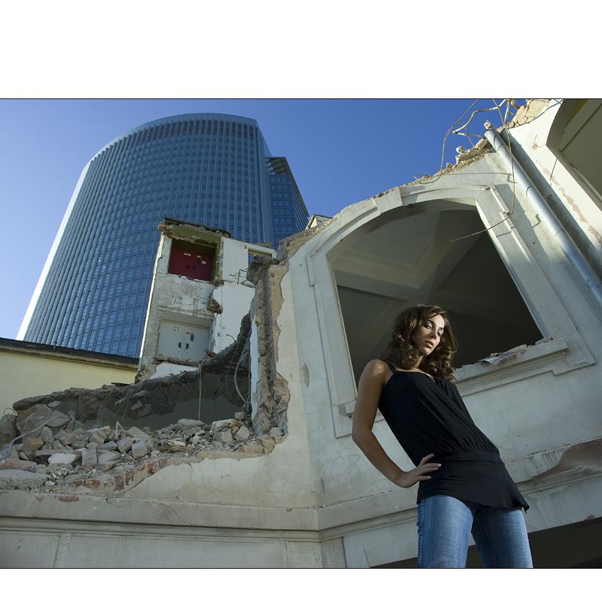 - demolition girl I -