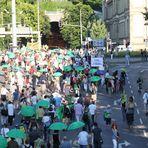 Demonstranten MontagsDEMO in Stuttgart K21