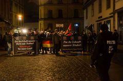 Demonstration VEREINT FÜR STRALSUND und Gegendemonstration am 5. Februar 2016
