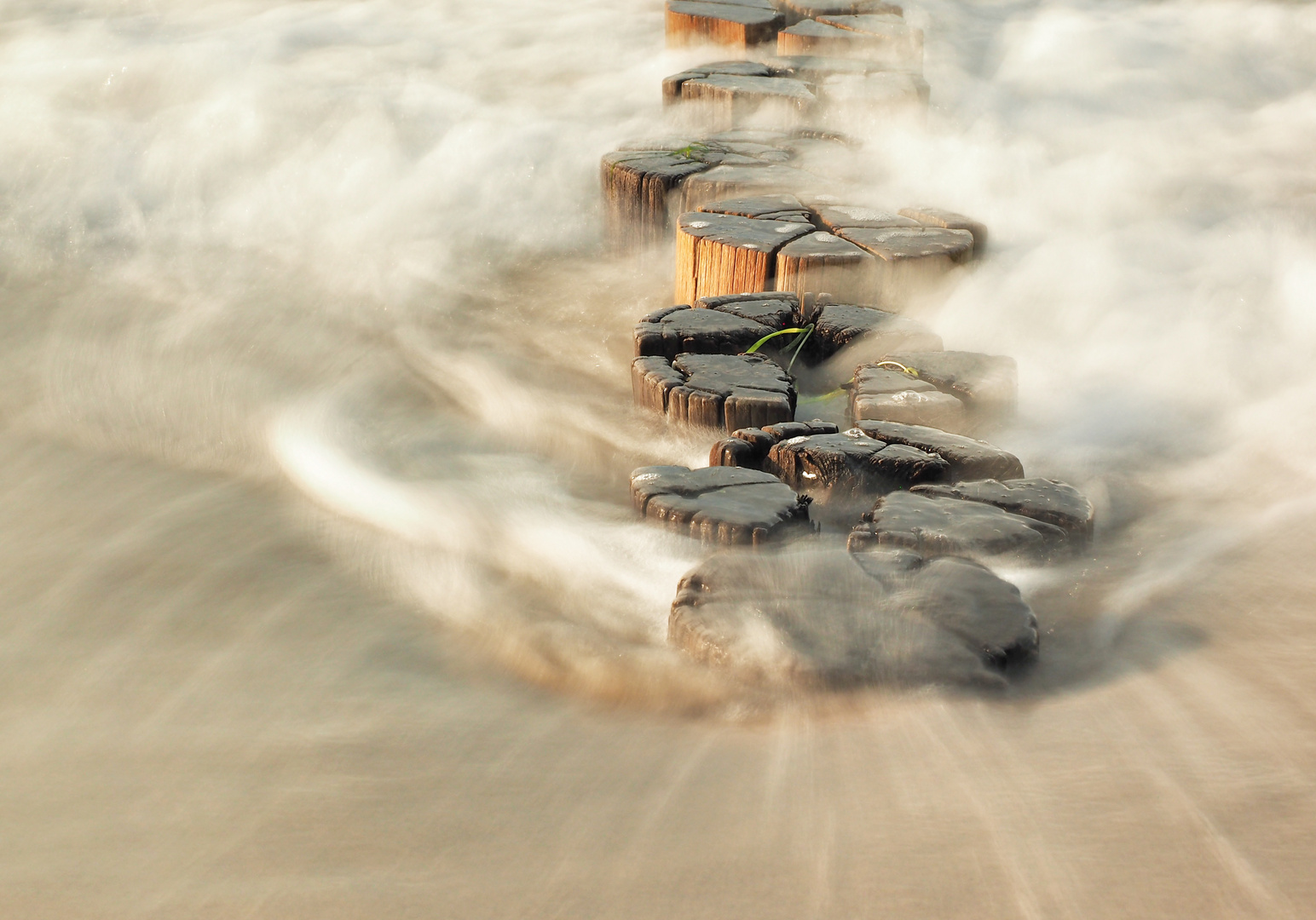 den Wellen zusehen