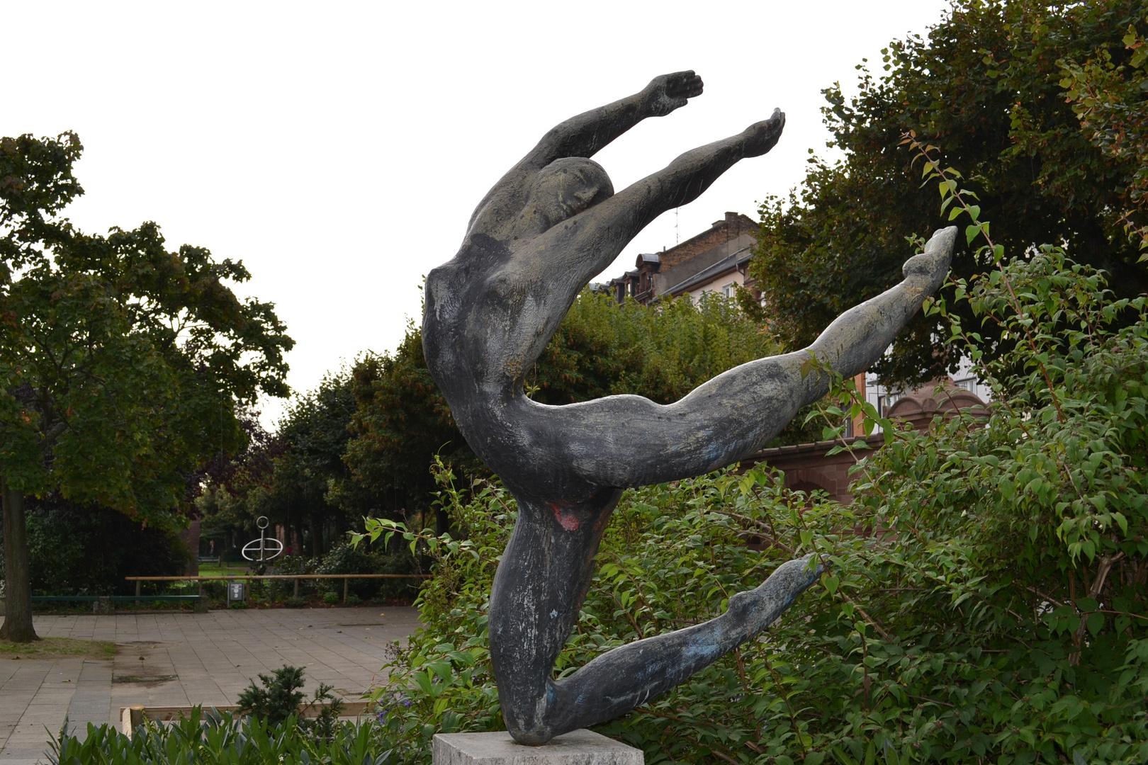 Denkmal am Rheinufer