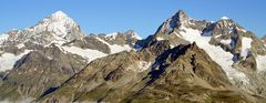 Dent Blanche 4356m , Obergabelhorn 4063m und Wellenkuppe 3903m