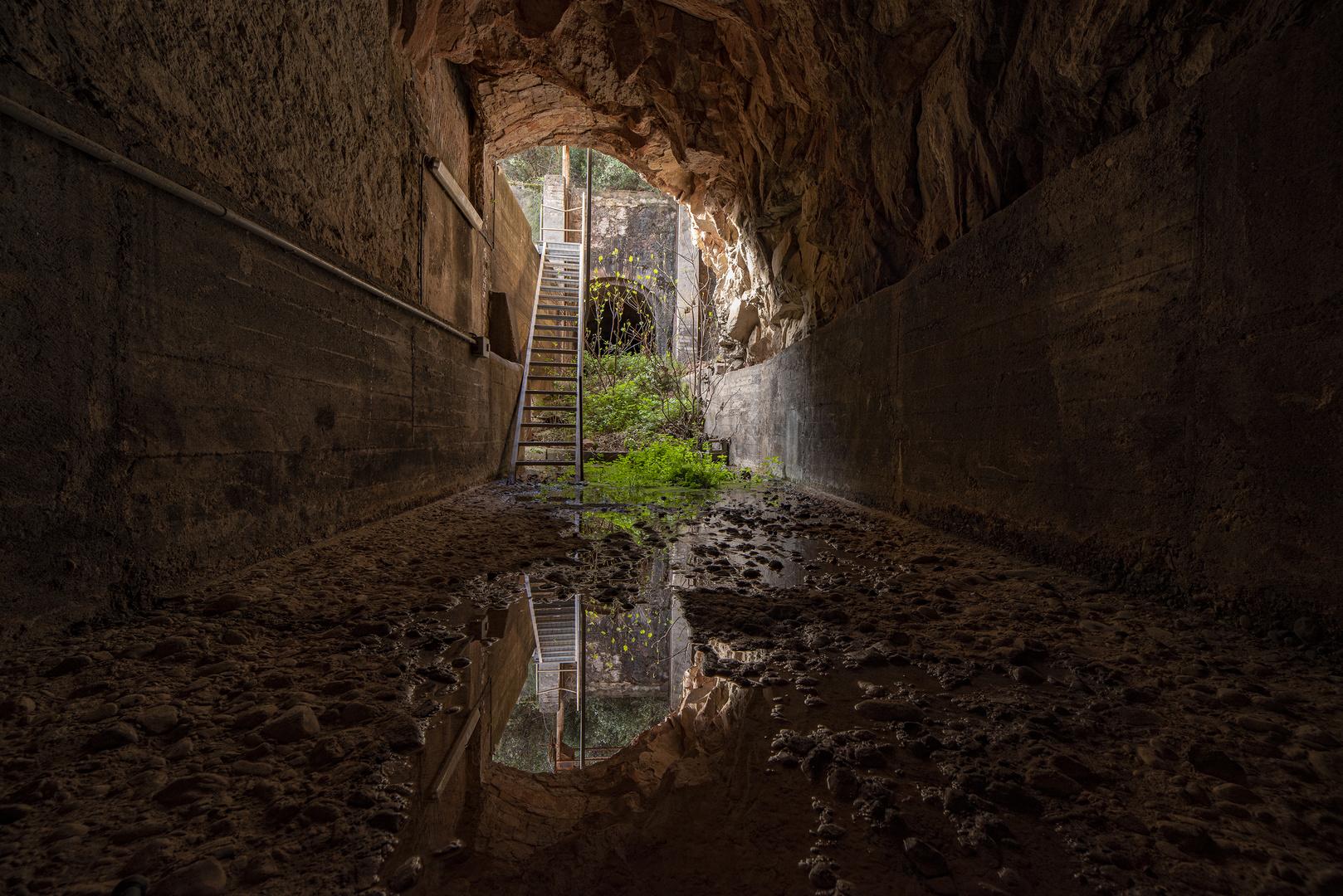 Dentro de la presa del Cairat.