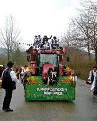 Denzlingen: die Zigeuner vom Milchgässle beim Fasnetmendig-Umzug