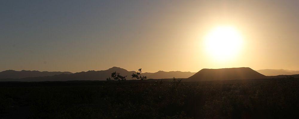 Der abgeflachte Kegel (Cinder Cone) des Amboy Crater...