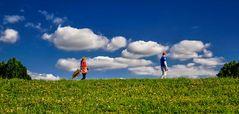 Der Abstand - oder laufen die Frauen immer den Männern hinterher?