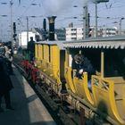 Der Adler-Zug hat Ausfahrt in Köln Hbf (150 Jahrfeier)