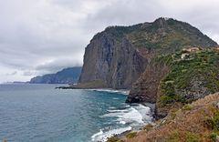Der Adlerfelsen an der Nordküste von Madeira