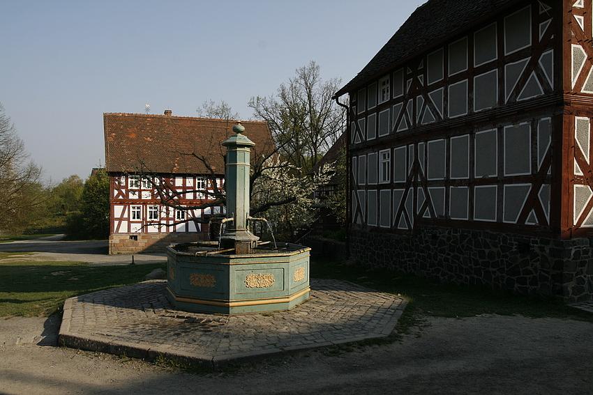 Der alte Dorfbrunnen