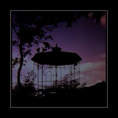 Der alte Gartenpavillon - The Old Gazebo