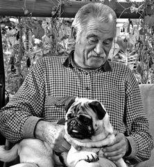 der alte Mann und der Mops