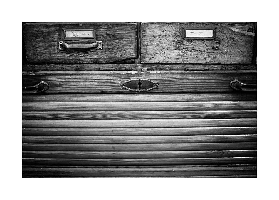 Der alte Rolladenschrank