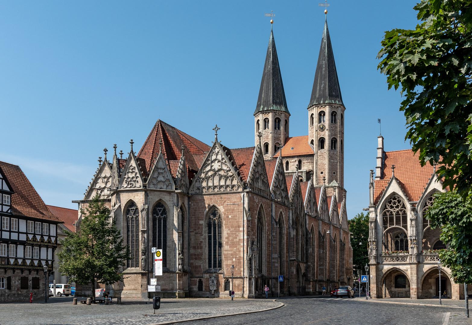 Der Altstadtmarkt in Braunschweig mit Martinikirche