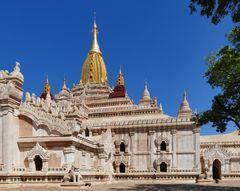 ...der Ananda Tempel in Bagan...