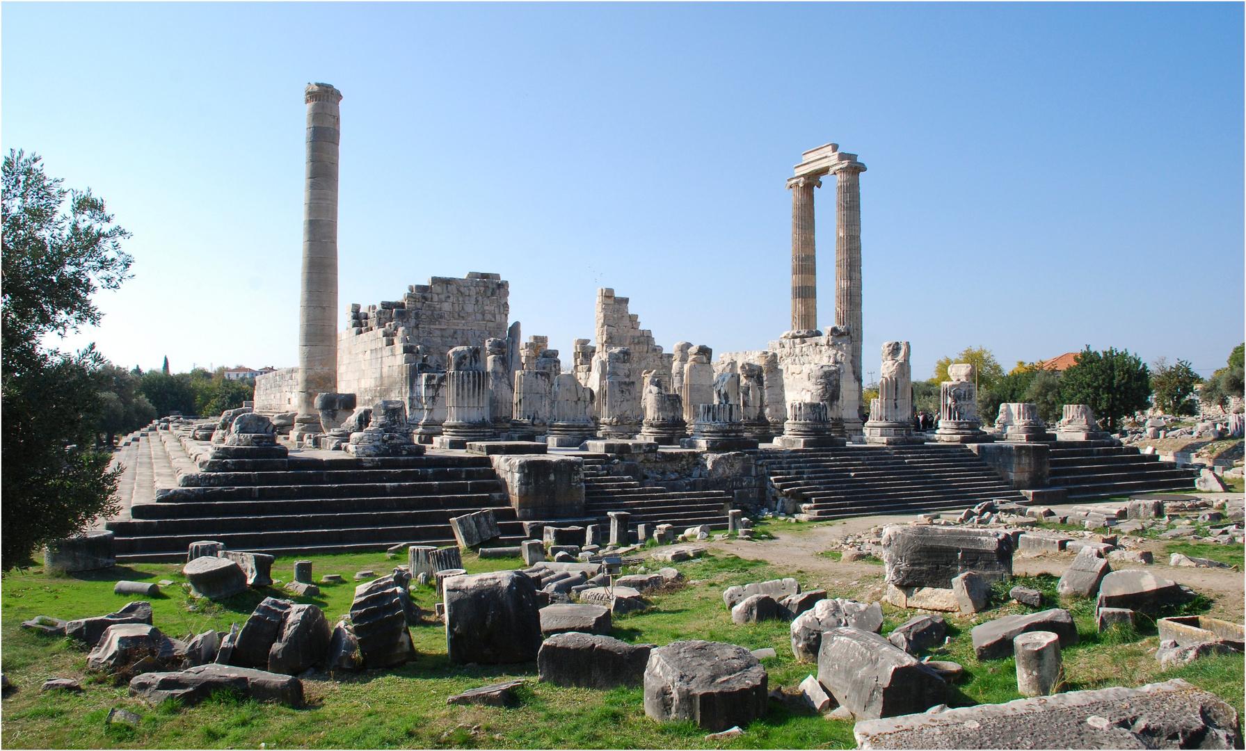 Der Apollon-Tempel...