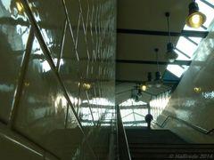 Der Aufgang im U-Bahnhof Gleisdreieck