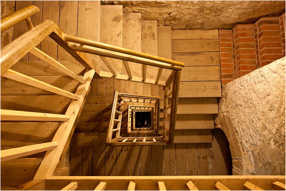 Der Aufstieg zum Burgturm...