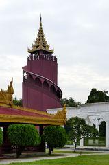 ...der Aussichtsturm im Königspalast Areal...