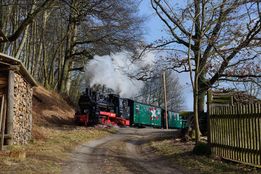 Der Bahnübergang in Nistelitz ...