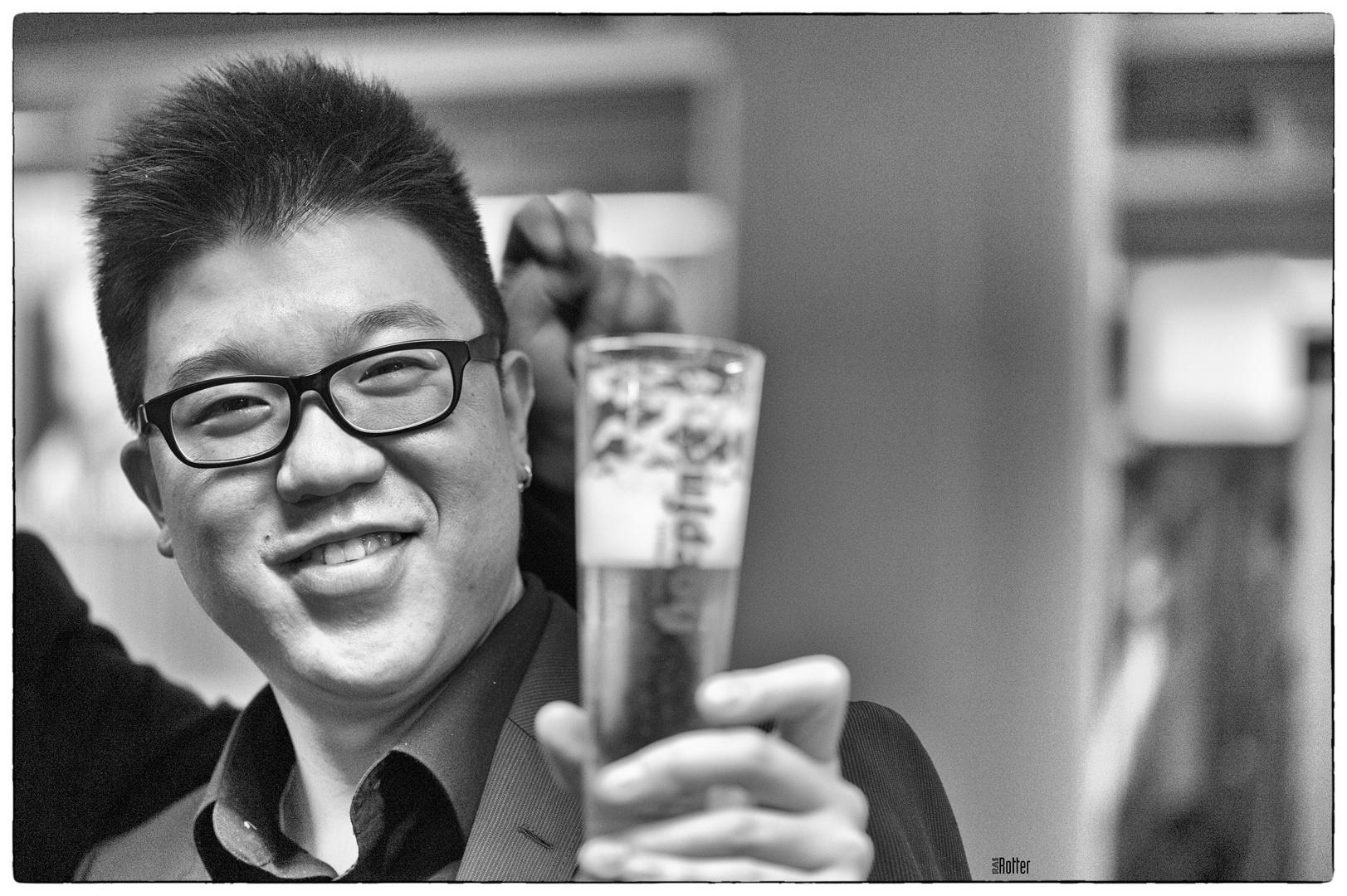 Der Bassist Feng Xiaoyin