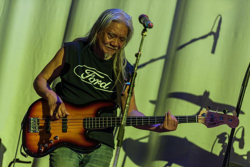 der Bassist von der Band 1968