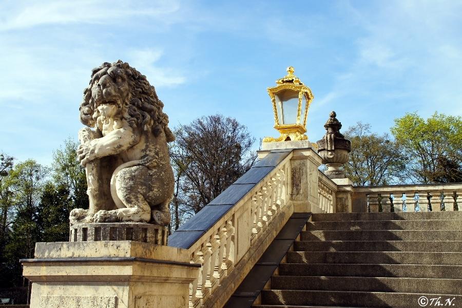 Der bayerische Löwe am Schloss Nymphenburg, München