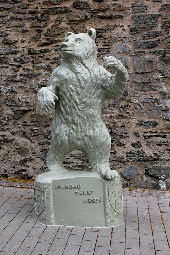 Der Berliner Bär wieder Generalüberholt auf seinem alten Standort in Siegen