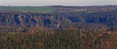 Der besondere Blick aus Süden über die Elbe zur Bastei...