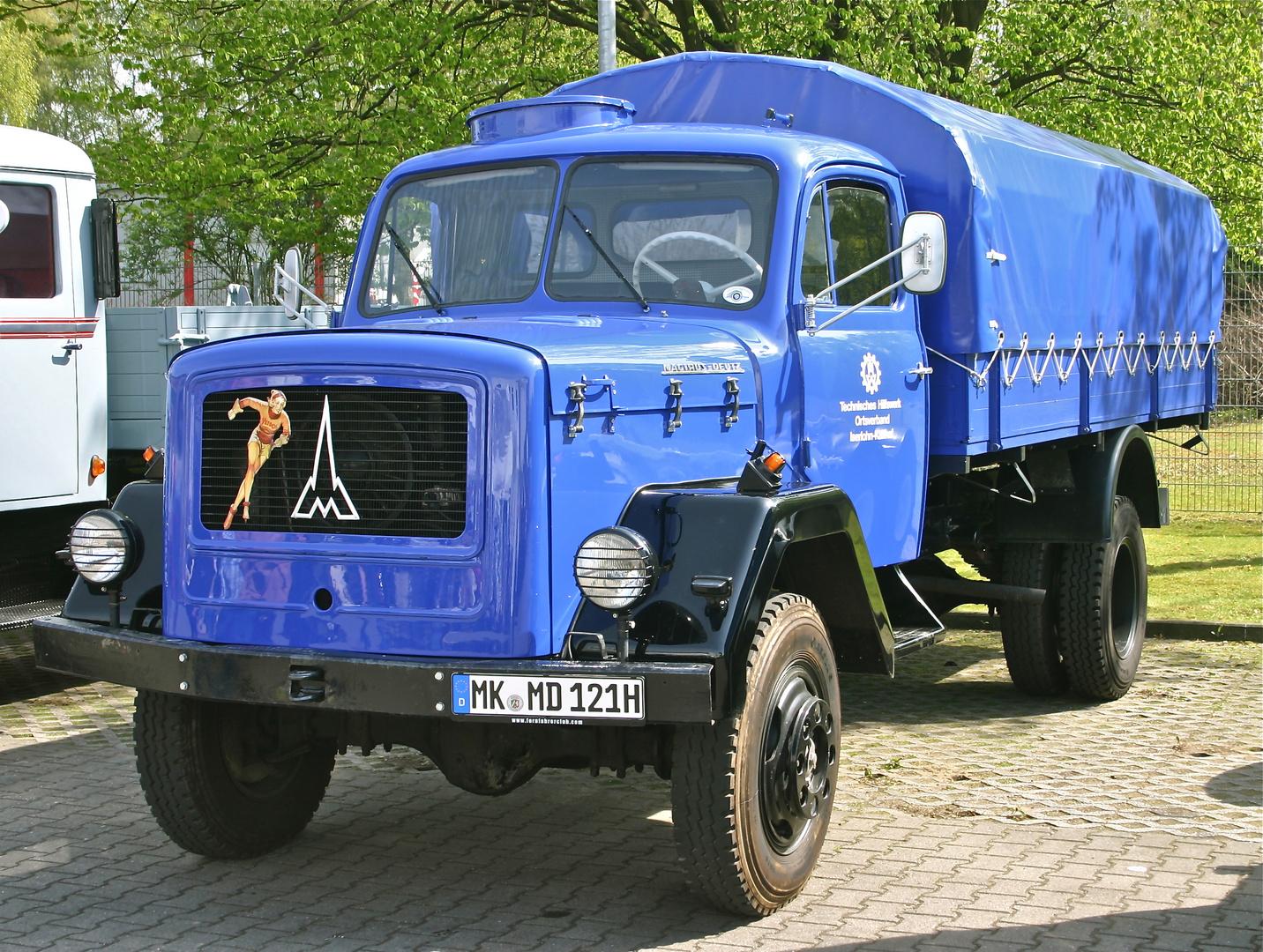 Der blaue Allradler