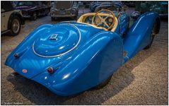 Der blaue Bugatti
