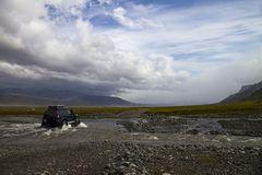 Der blaue Jeep
