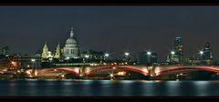 Der Blick auf St. Pauls's Cathedral (2)