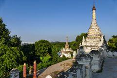 ...der Blick zum Irrawaddy mit seinen zwei Brücken...